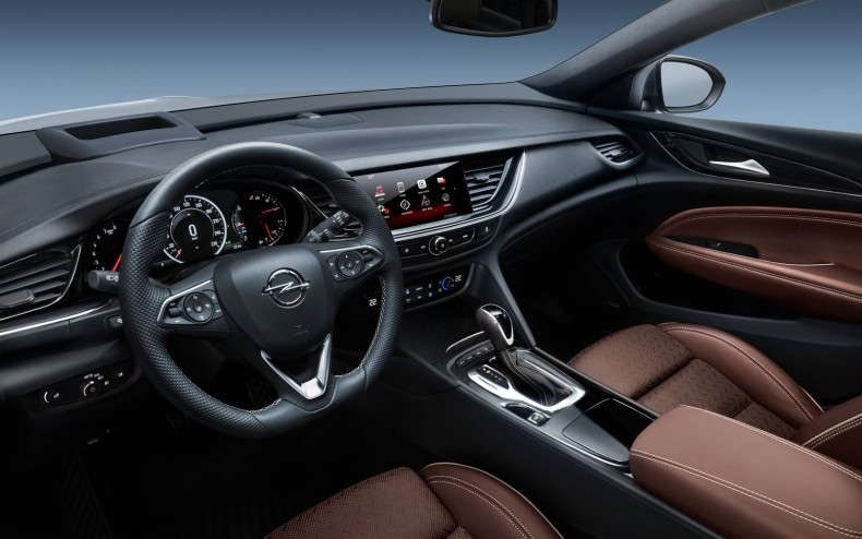 Opel-Insignia-Sports-Tourer-304064