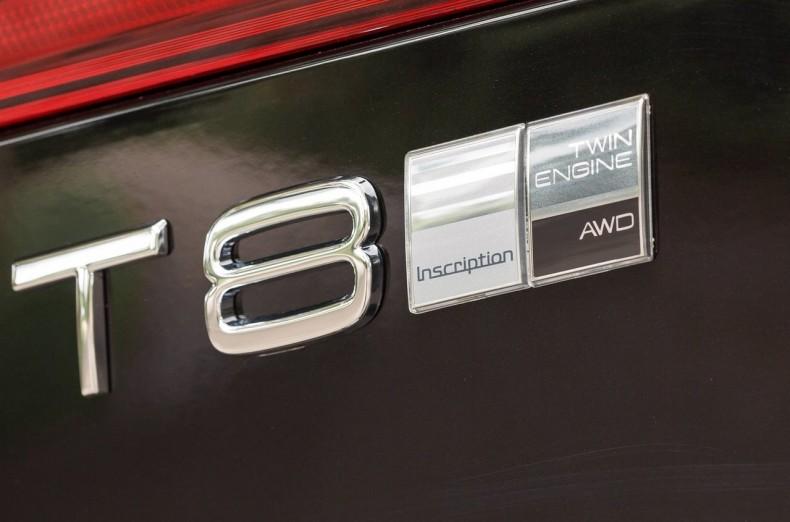 Volvo-XC60_UK-Version-2018-1600-95