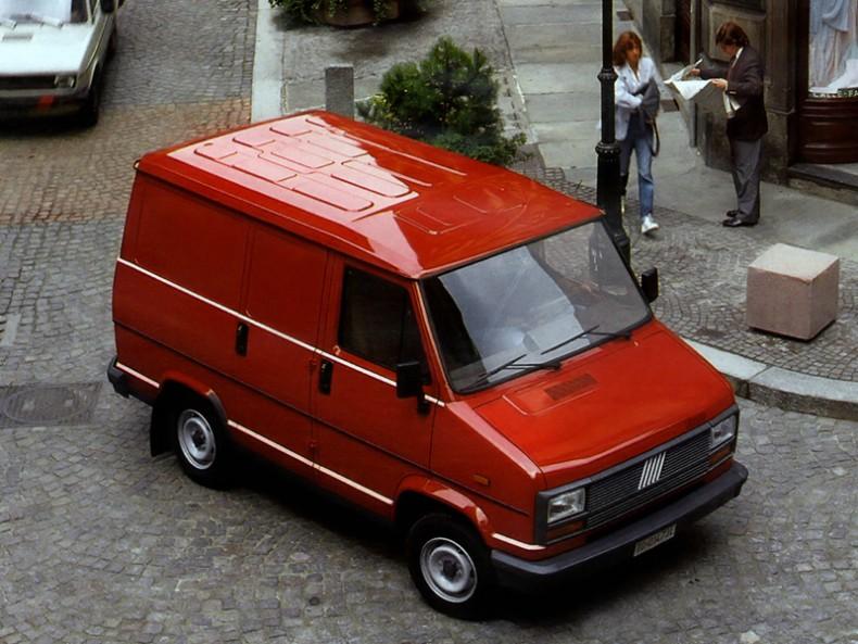 Jeszcze bardziej kompaktowy. Fiat Talento to skrócona wersja Ducato o nieproporcjonalnych rozmiarach.