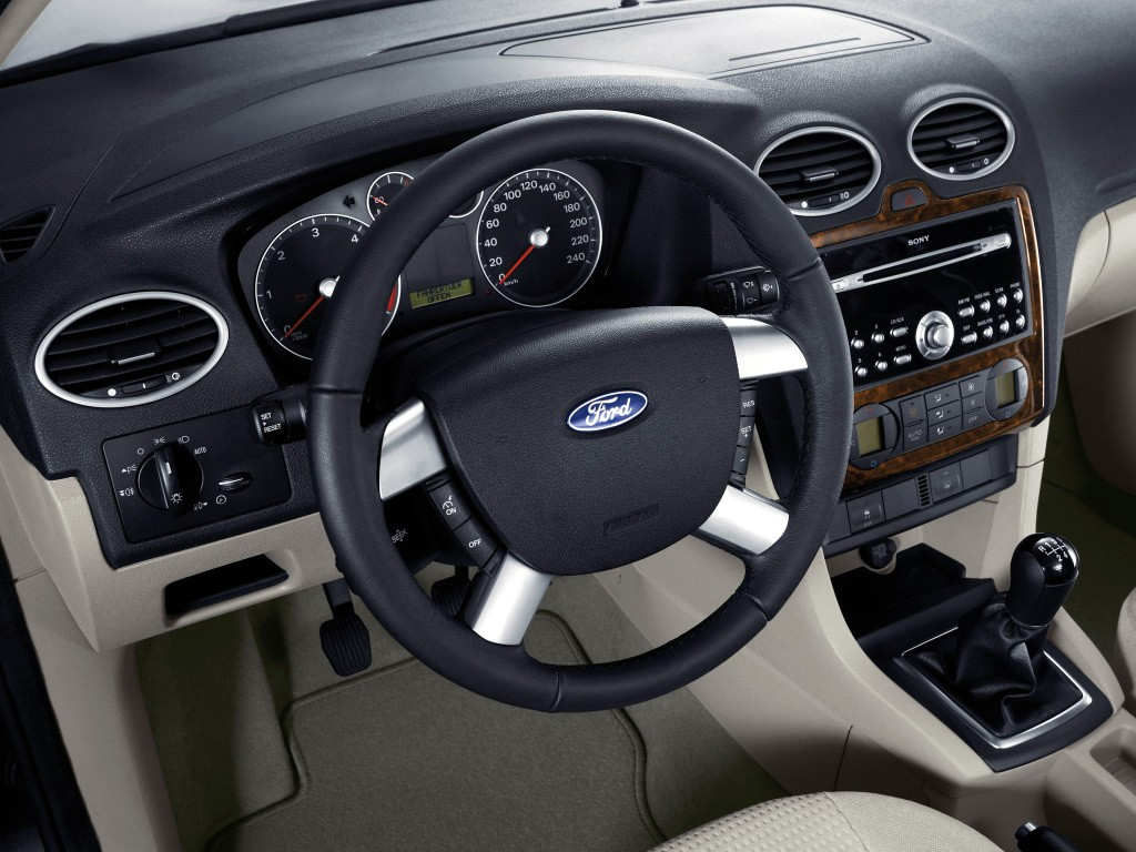 autowp.ru_ford_focus_5-door_hatchback_23