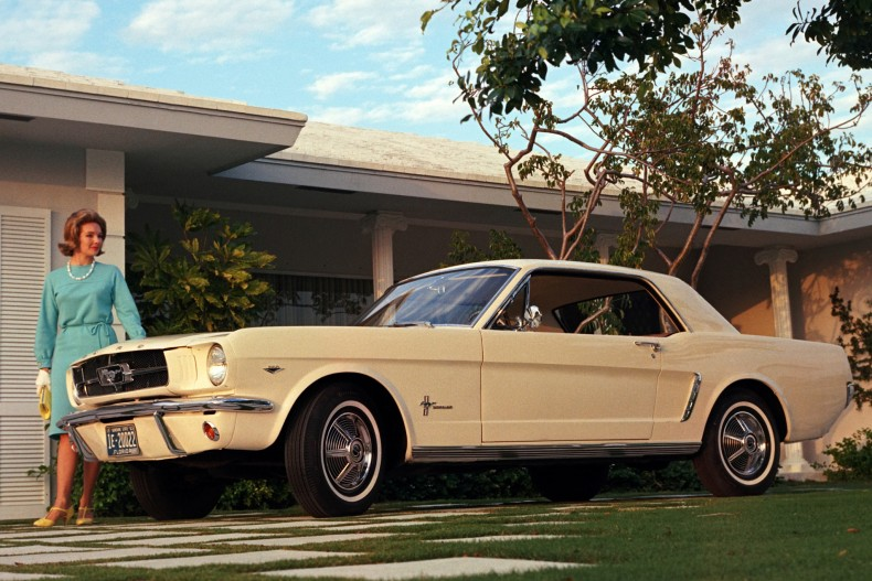 Wczesny Ford Mustang pierwszej generacji miał w sobie pewną lekkość. Swoją drogą błędem jest nazywanie go muscle car. To pony car.