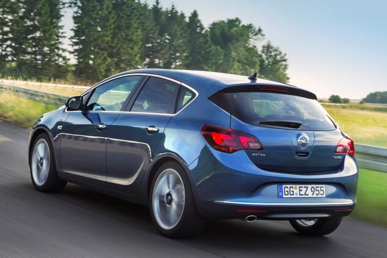 Klasyczny, 5-drzwiowy hatchback to najchętniej kupowana wersja przez klientów prywatnych