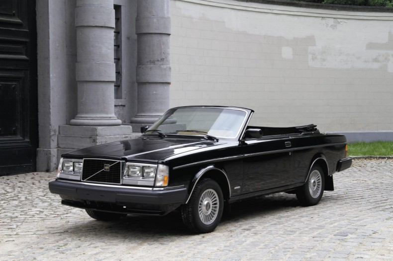 """Volvo 262C """"Solaire"""" from 1981. The plan was to have a series of 50 262C convertibles built by the independent company Solaire in California on behalf of Volvo Cars of North America. Only five cars were built, however, before production was stopped, partly due to concerns about the car's safety in a crash Today, the car belongs to Guy Vermant, the Belgian Volvo collector, and has undergone complete renovation."""