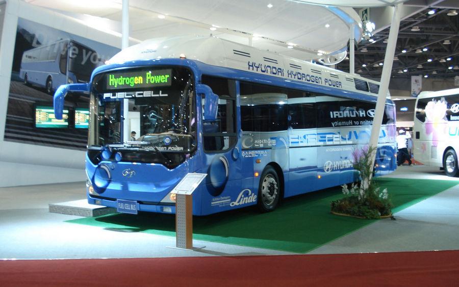 csm_hyundai-history-fuel-cell-technology-bus-01-1610_cf955f2093