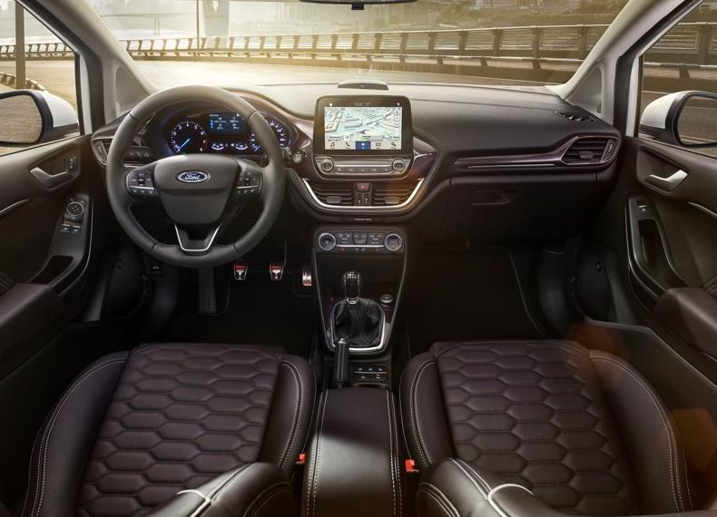 Ford Fiesta Vignale - wnętrze