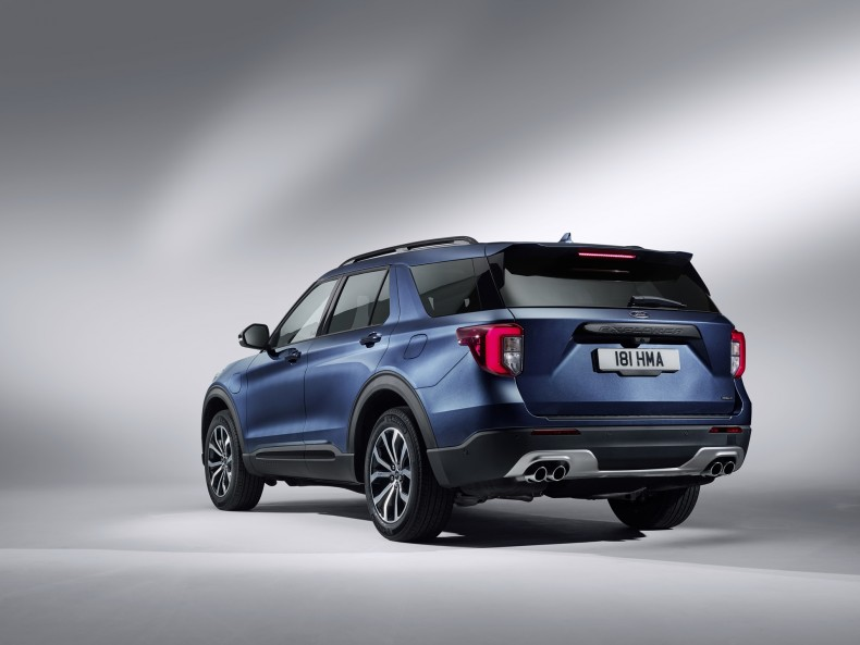 ford_explorer_plug-in_hybrid_st-line_7