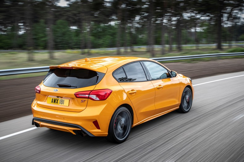 ford_focus_st_943