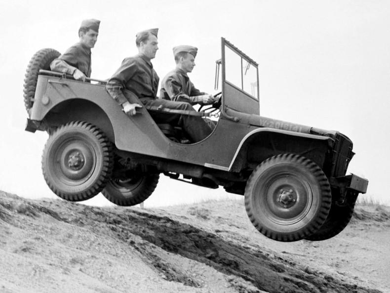 Pewnie widziliście tę fotografię przy opisie historii Jeepa? Zdradzę wam pewien sekret - na zdjęciu widzicie Forda GP.