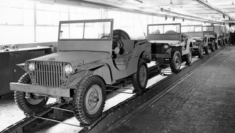 """Linia produkcyjna Fordów GP, czyli prawdziwych pierwszych """"jeepów""""."""