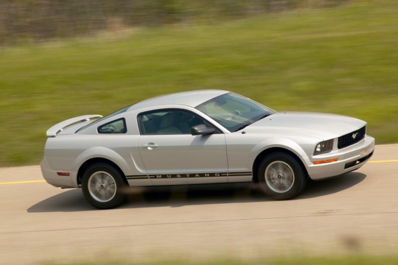 Tak powinien wyglądać Mustang. Piąta generacja była zapowiedzią stylistyczną najnowszej.