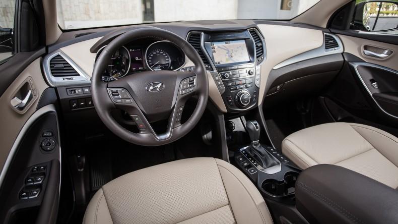 Hyundai Grand Santa Fe to przede wszystkim bogato wyposażony samochód