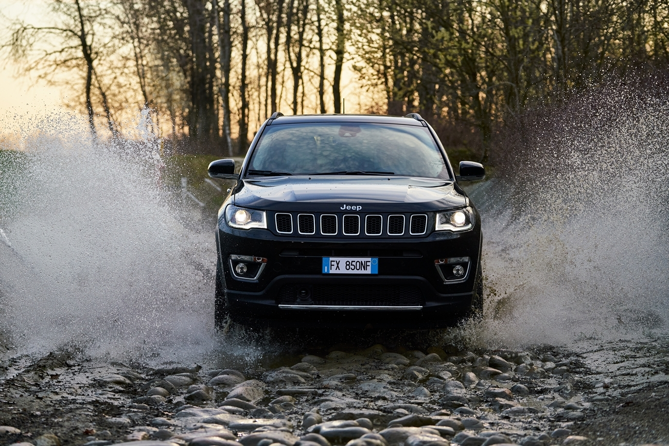 jeep_compass_limited_4xe_10