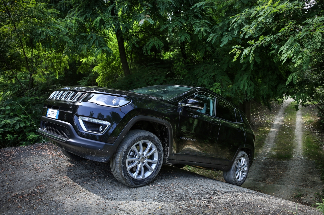 jeep_compass_limited_4xe_28