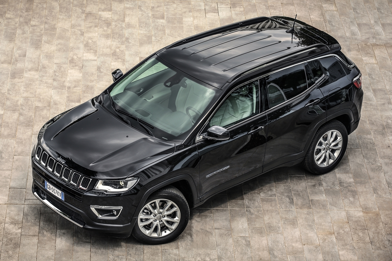 jeep_compass_limited_4xe_70