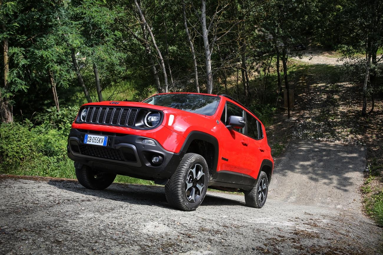 jeep_renegade_trailhawk_4xe_91