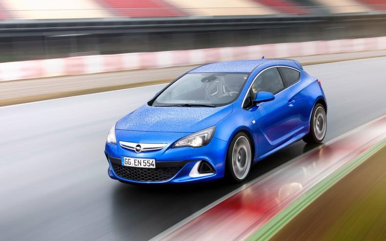 Choć na rynku od dłuższego czasu mamy nową generację Astry, to Opel wciąż produkuje poprzednią w wersji OPC