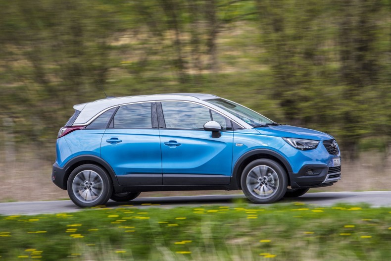 opel_crossland_x_turbo_89