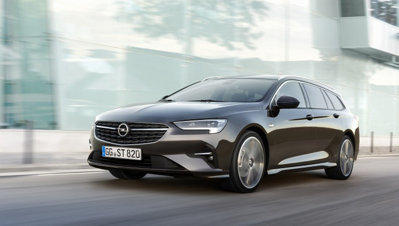 opel_insignia_sports_tourer_1