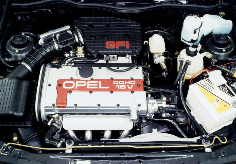 150-konna jednostka 2.0 z Kadetta GSi przygotowana wspólnie z Cosworthem