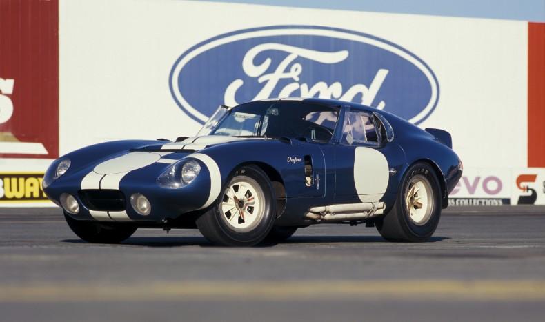 Shelby Cobra Daytona Coupe z 1964 roku był napędzany silnikiem Forda i wygrał w swojej klasie