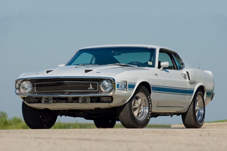 Późny Ford Mustang pierwszej generacji w wersji Shelby GT500