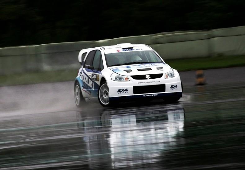 Suzuki SX4 WRC podczas pierwszych testów