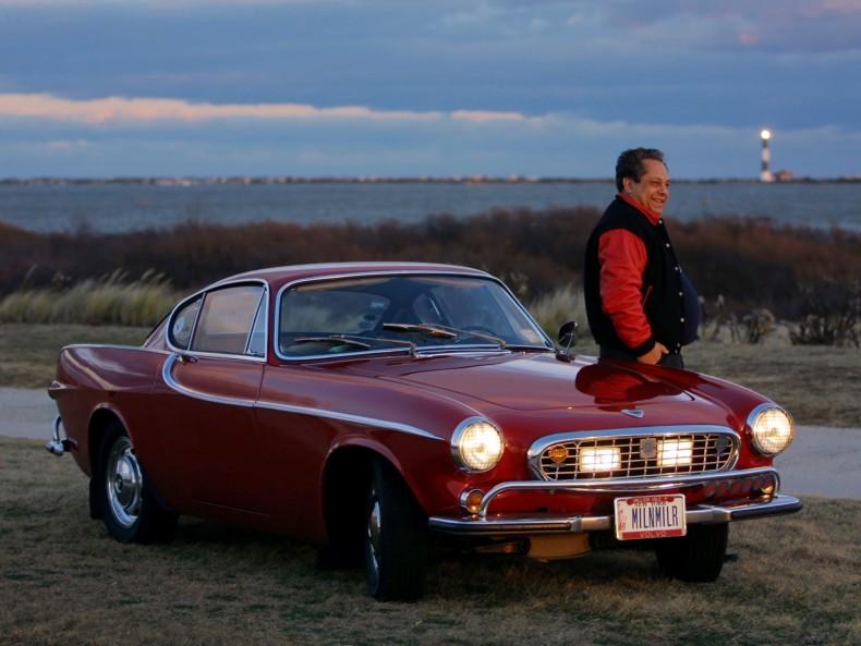 Człowiek i samochód legenda. Irv Gordon swoim Volvo P1800S z 1966 roku przebył 3 miliony mil, czyli ok. 4,8 miliona kilometrów. Niestety właściciel rekordowo trwałego auta zmarł. Samochód wciąż jest na chodzie.