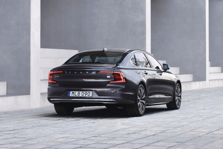 volvo_s90_t8_awd_recharge_inscription_2